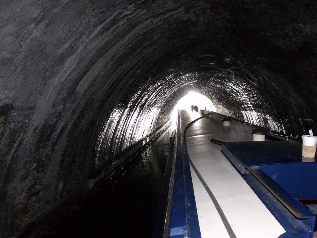 Narrowboat leaving Islington Tunnel