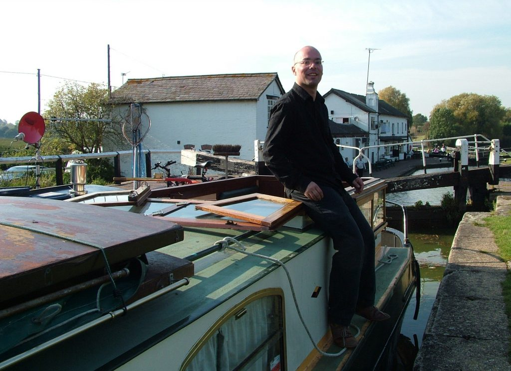 Single handed boating on the canal in Soulbury