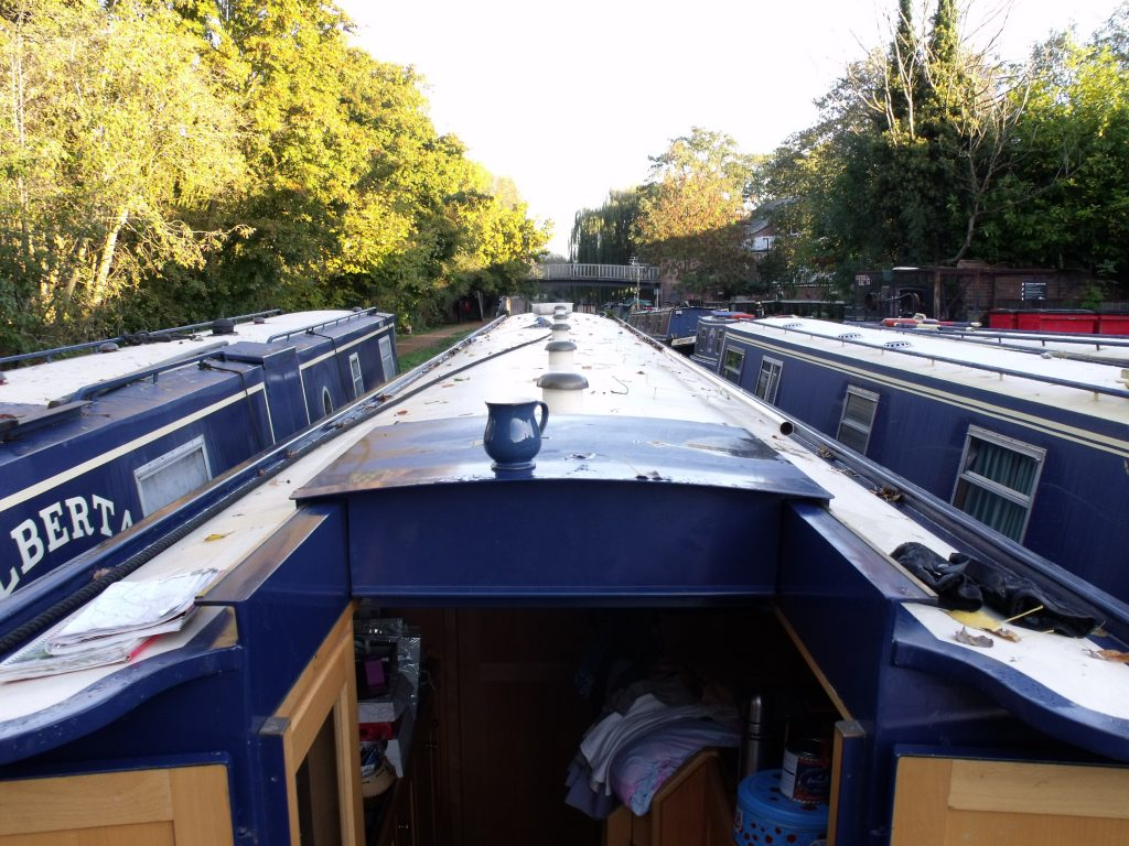Oxford Canal is very narrow