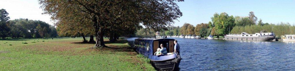 Narrowboat moored in Marlow