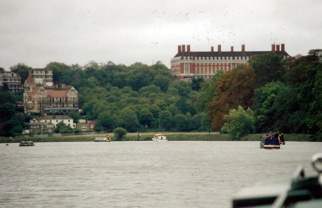 Leaving the Thames